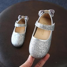 Sequins bow pumps